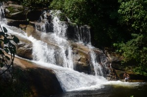 Cachoeira da Pedra Branca. Cachoeiras na Paraty-Cunha